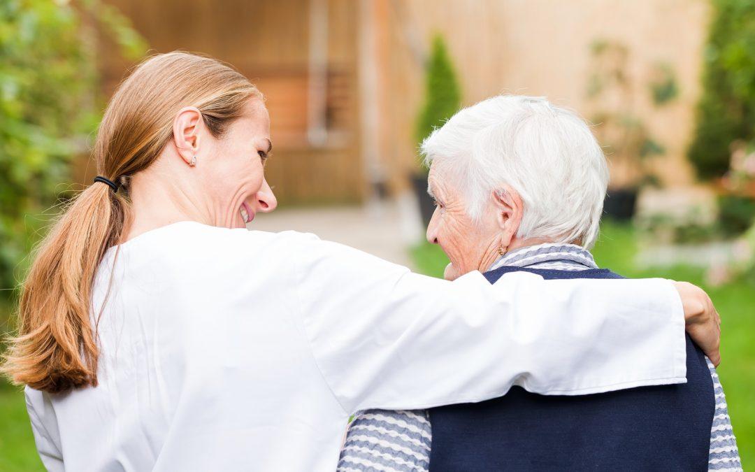 Beneficios de sociabilizar a la tercera edad
