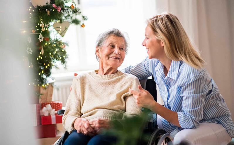 Servicios de cuidado a mayores en Navidad