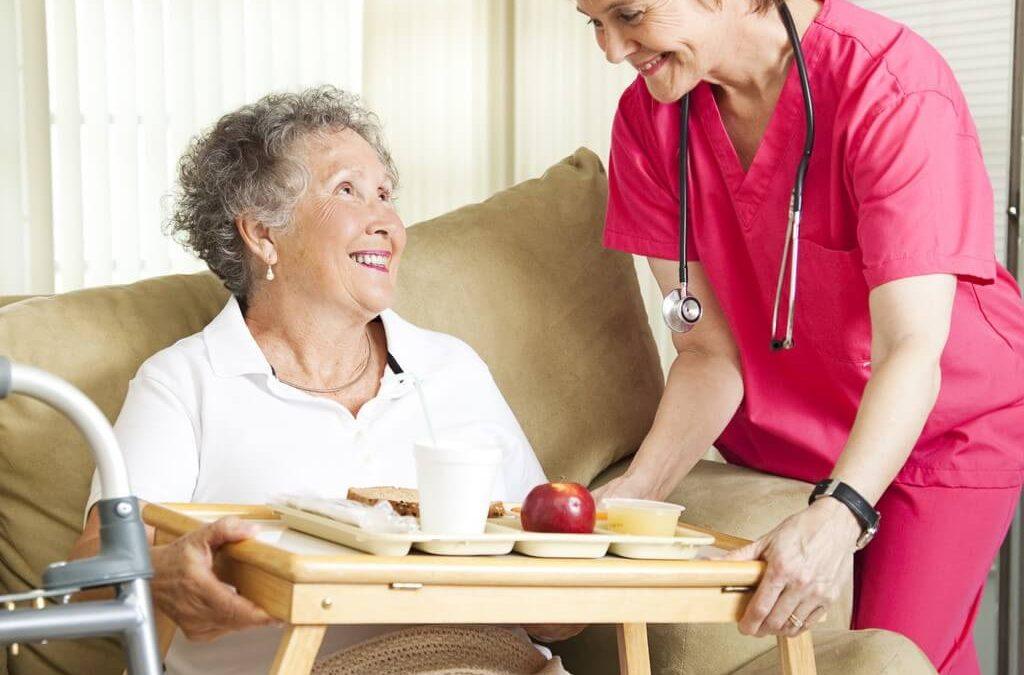 Alimentos que ayudan a mejorar la memoria en personas mayores