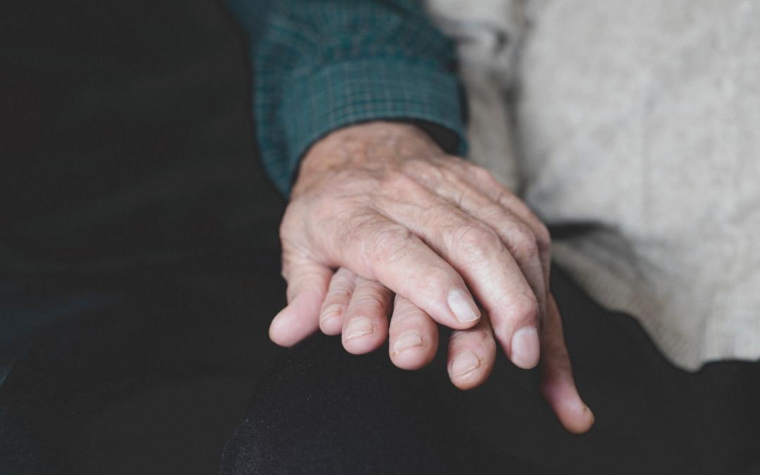 Cómo proteger a personas mayores dependientes frente al coronavirus